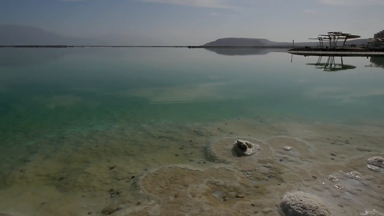 苹果手机防水性之极限挑战,iPhone 7在海中泡一天会怎么样?