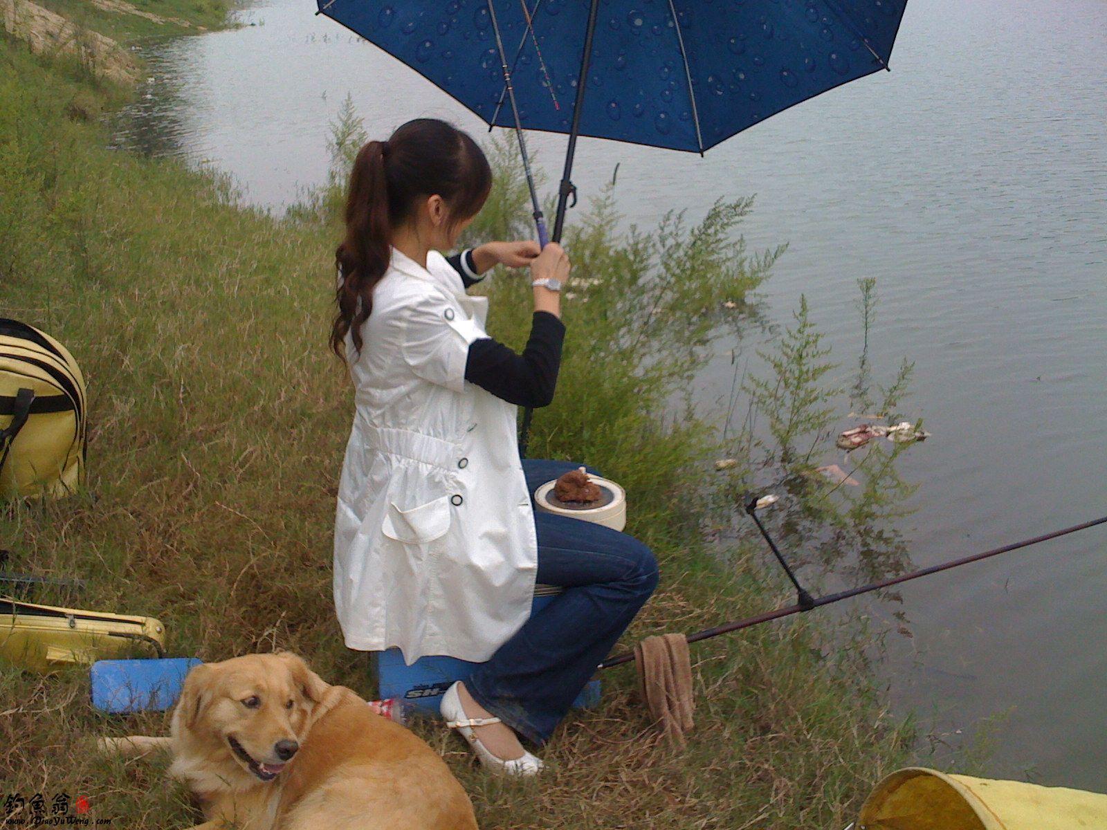 女孩钓鱼,美女钓鱼