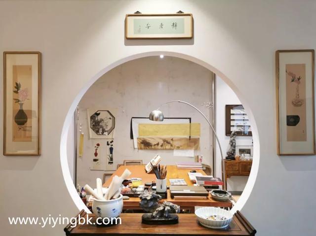 贵州女画家顾静的书房
