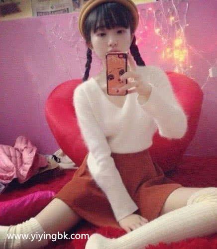 """最美""""天山童姥""""走红,28岁的身体10岁的脸,网友:唯我独尊功已大成?"""
