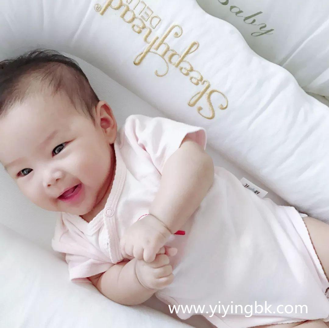 开心快乐的小宝宝,www.yiyingbk.com